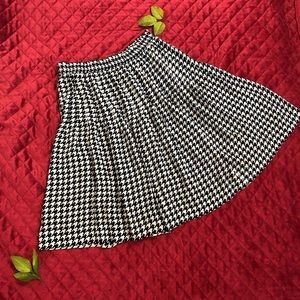 B&W Large Houndstooth Skirt